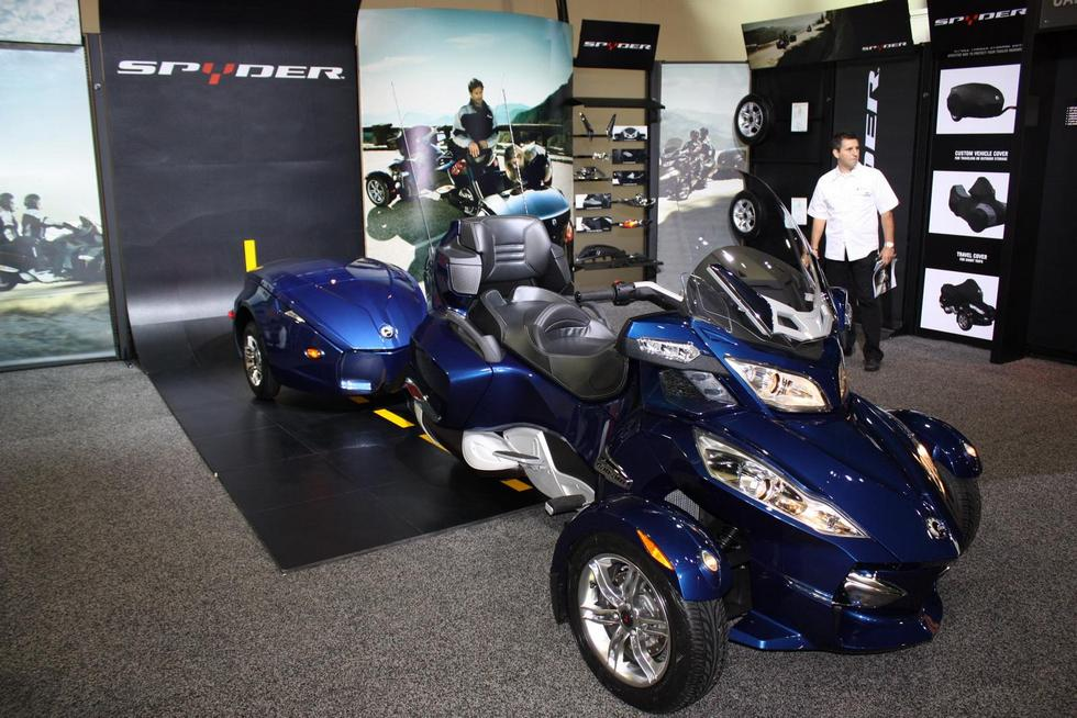 фото BRP can-am Spyder RT родстера